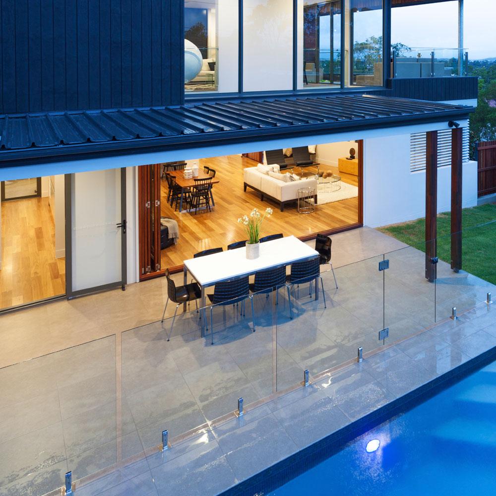 glass pool fence 33