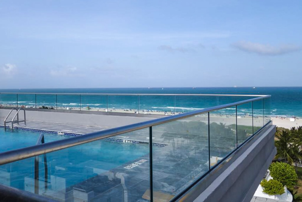 The Islander Condominiums Recently Renovated Their Rooftop Terrace With Our Fully Frameless Glass Railing System Client Wanted To Replace Existing