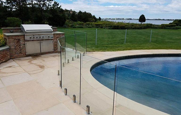 glass pool fences 2-min