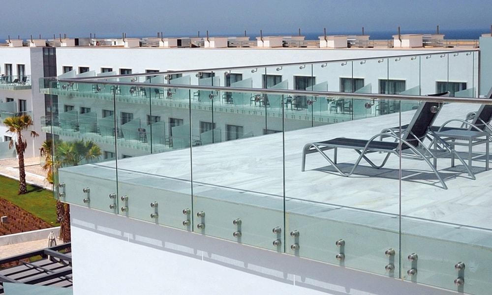 5 Benefits Of Glass Railings Aquaview Glass Pool Fences