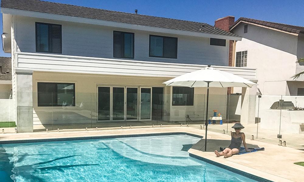 glass pool fence_summer-min